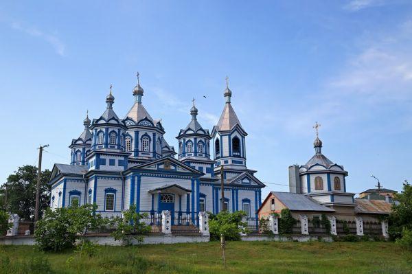 Історико-архітектурна пам'ятка Свято-Трьохсвятительська церква